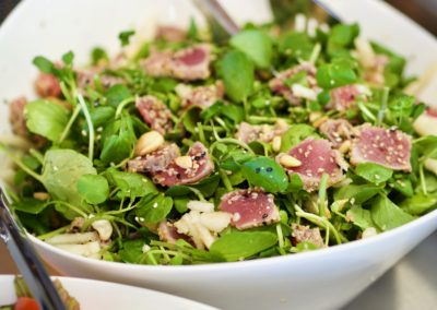 Raw tuna salad: Watercress, raw tuna, cashew nuts, pine nuts, sesame seeds, pears, chives. Seasoned with extra virgin olive oil and raw quail eggs